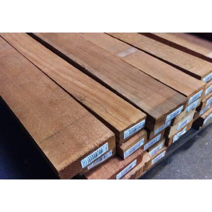 Gombe mahagóni fűrészáru hobbyfa 52 mm 1000 mm alatt OF. szárított