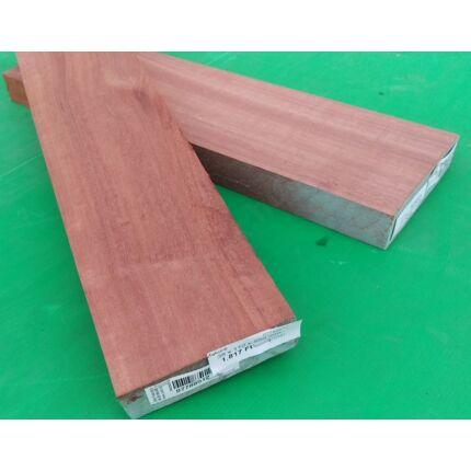 Makore fa fűrészáru hobby fa 26 mm OF. 1700 mm alatt szárított szélezett Makoré