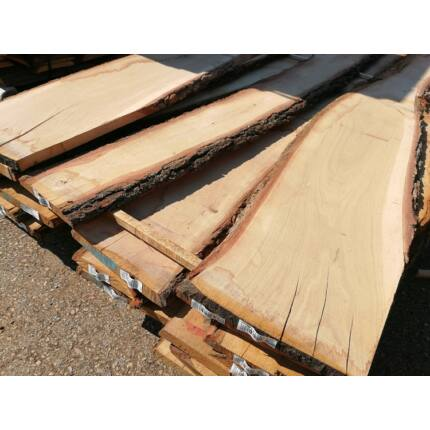 Tölgyfa fűrészáru 26 mm 1. oszt. 2 m felett szárított első osztályú