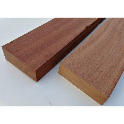 Kosipo mahagóni fűrészáru hobbyfa 52 mm 1000 mm alatt OF. szárított