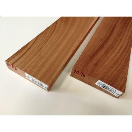 Khaya mahagóni fűrészáru hobbyfa 33 mm OF. 1000 mm alatti szélezett szárított