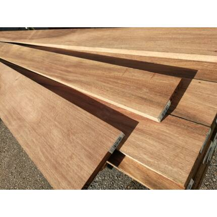 Gyalult Tali fa fűrészáru 23 mm OF. 1800-4200 mm  között szélezett szárított