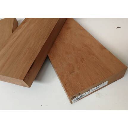 Tineo fa fűrészáru hobbyfa 52 mm 1000 mm alatt OF. Szárított