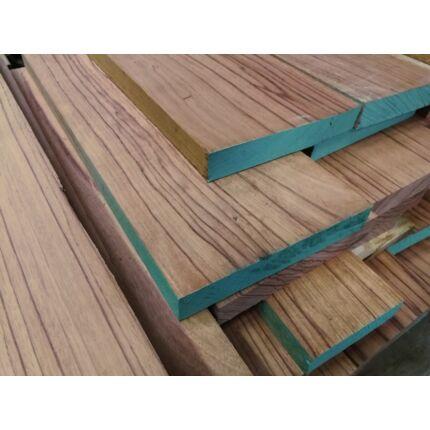 Ebiara fa fűrészáru 40 mm 3000-3150 mm  szélezett szárított RED ZEBRA
