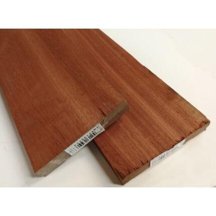 Kosipo mahagóni fűrészáru hobbyfa 27 mm 1000 mm alatt OF. szárított