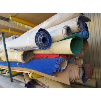 Szőnyeg filc vegyes méret és szín 2-4 mm vastag 3000-4000 mm széles