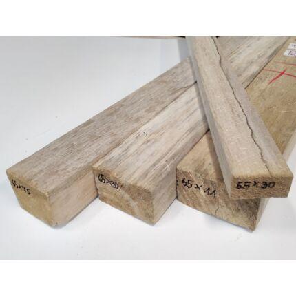 Balsafa fűrészáru  65x 75x930 mm