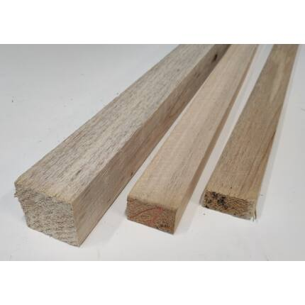 Balsafa fűrészáru  55x110x930 mm