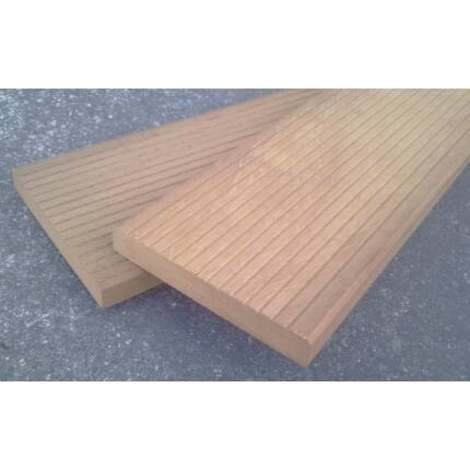 Iroko fa fűrészáru hobbyfa 20 mm 800 mm alatt OF. szélezett szárított