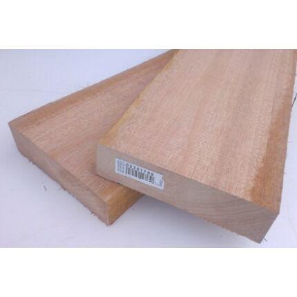 Meranti fa fűrészáru 27 mm OF.  800 mm feletti szárított szélezett