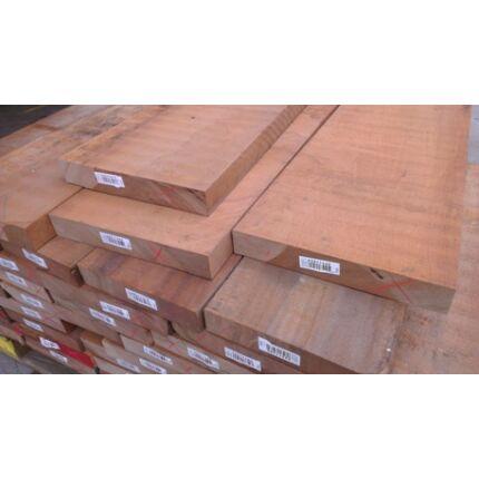 Sapelli mahagóni fűrészáru 50 mm OF. 1 - 1,7 m közötti szárított szélezett osztályon felüli