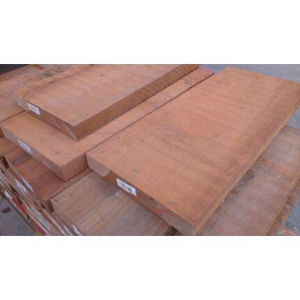 Sapelli mahagóni fűrészáru hobby fa 32 mm OF. 1000 mm alatti szárított szélezett