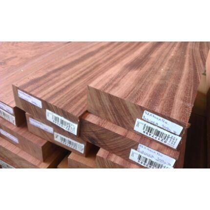 Bubinga fa fűrészáru hobbyfa 52 mm OF. 1000 mm alatt szárított egzotikus faanyag